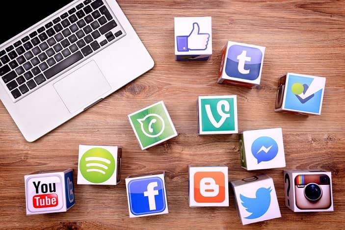 سوشال مدیا ، شبکه های اجتماعی ، فضای مجازی ، لوگوی شبکه های اجتماعی
